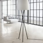 Stehlampe mit Aircleaner in weiss