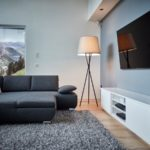 Luftreiniger Stehlampe Hailey im Wohnzimmer